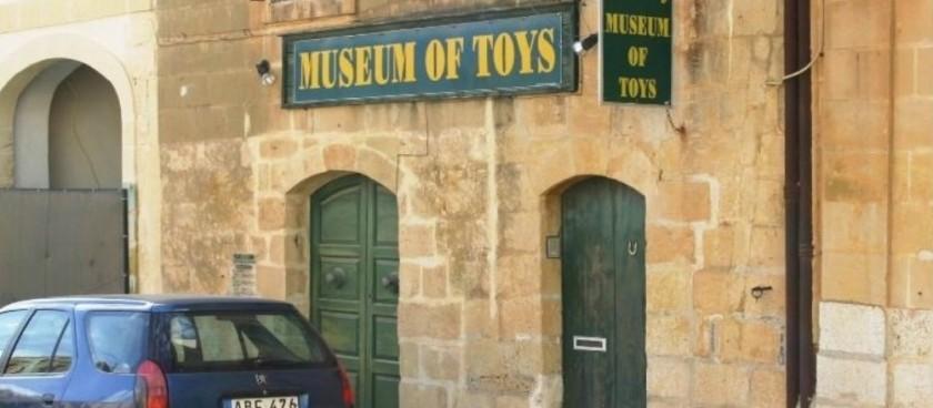 Pomzkizillious Toy Museum