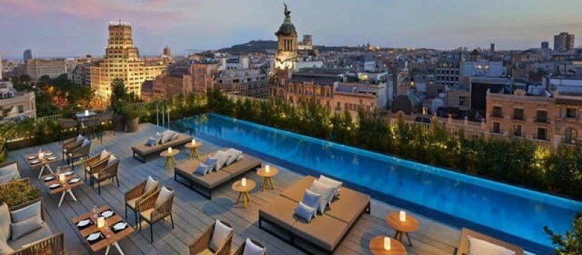 A Rooftop Pool at the Mandarin Oriental